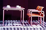 四点で固定する成型合板の椅子 1970